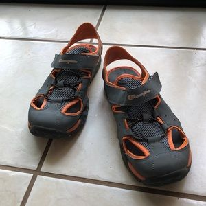 Champion Youth Sz6 Velcro Sandals